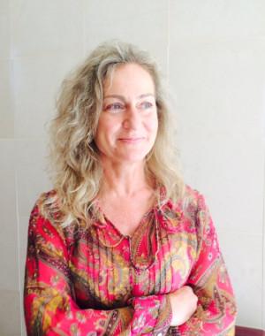 Retrato de Dina Simes
